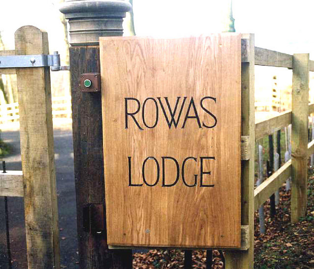 Rowas Lodge Handmade Wooden Sign