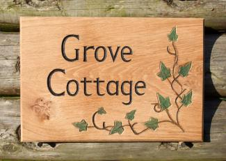 Woodcott Wooden Signs Grove Cottage sign with motif